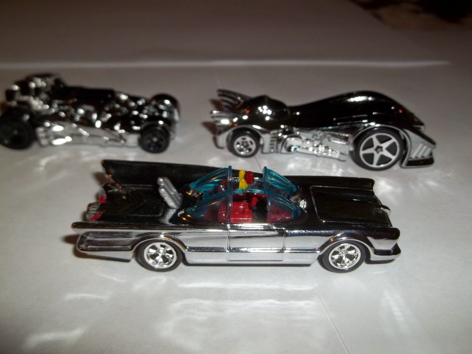 Batmobile-info: 2012 Hotwheels Batmobile In Shiny Silver