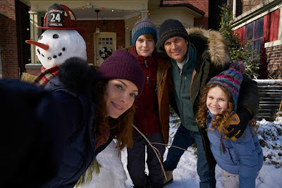 The Christmas Chronicles 2018 movie still Oliver Hudson Kimberly Williams-Paisley Darby Camp Judah Lewis