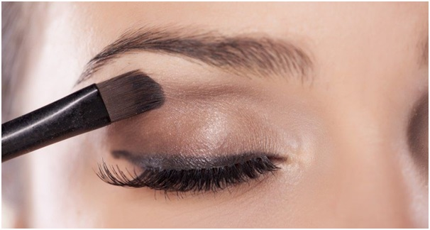 Know More About Makeup And Online Stores