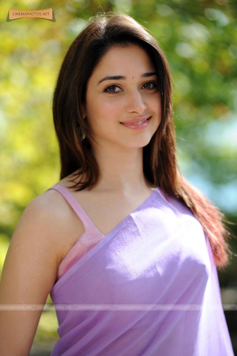 Tamanna Bhatia Beautiful: INDIAN ACTRESS: Tamanna Bhatia Oosaravelli Hot Song