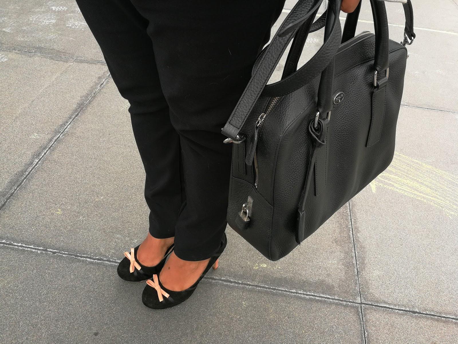 legalmente en taco 12 - Zapatos bipolar y Cartera Tous