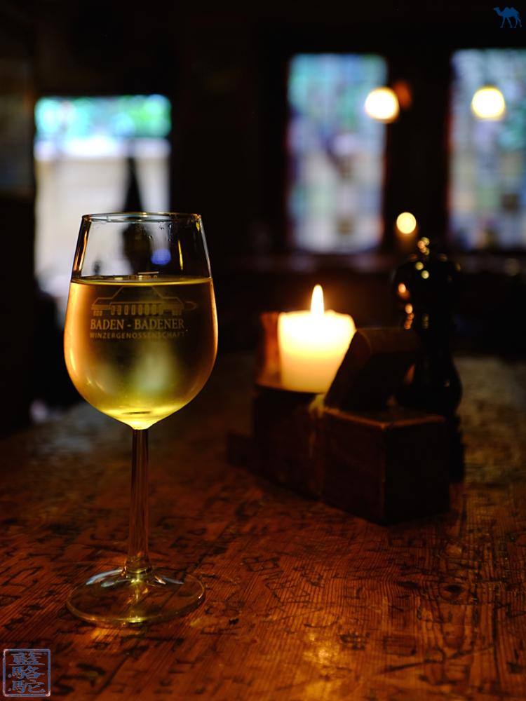 Le Chameau Bleu - Vin blanc du   Schnitzelbank à Heidelberg Altstadt