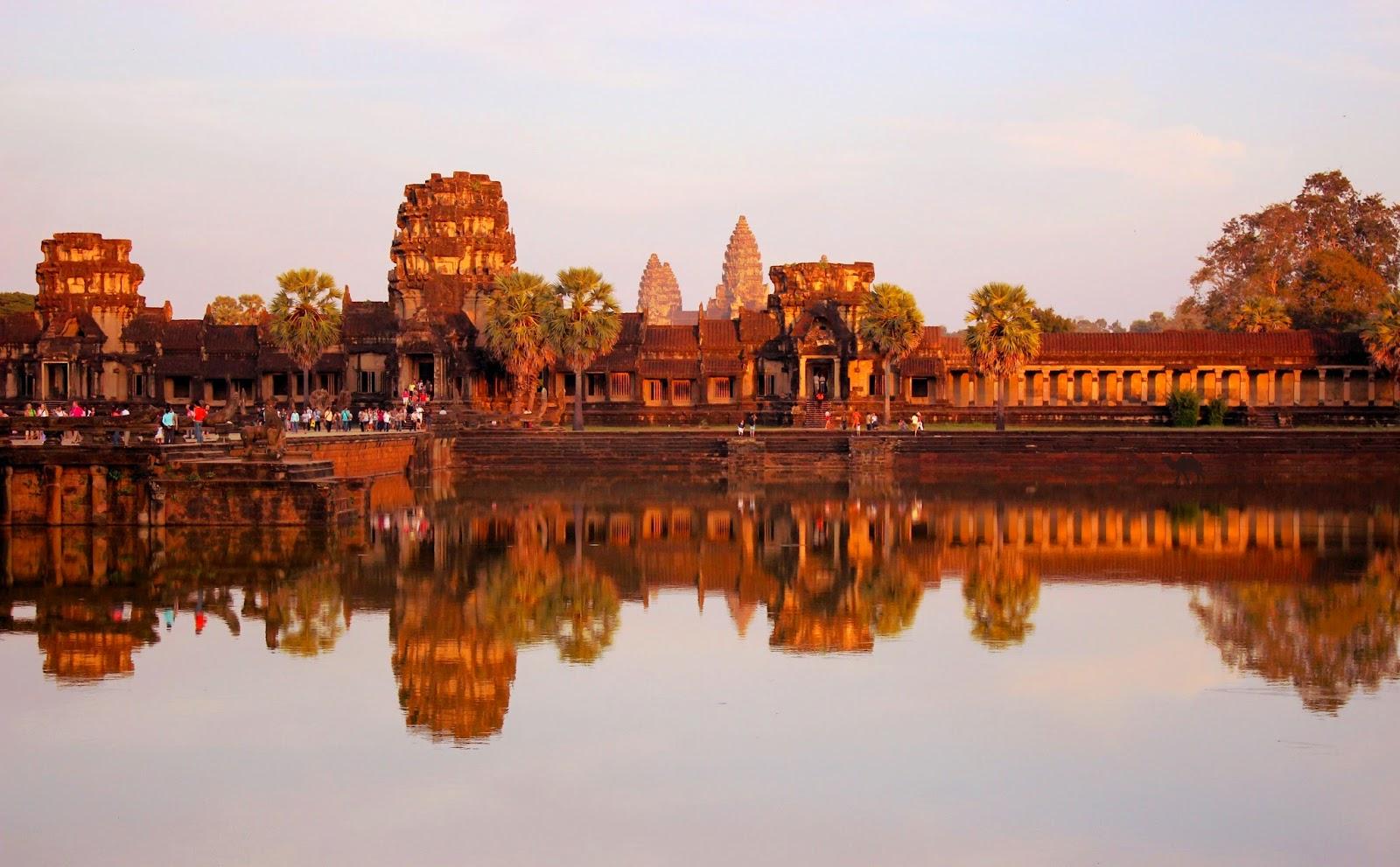 Couché de soleil sur Angkor Vat Siem Reap Cambodge