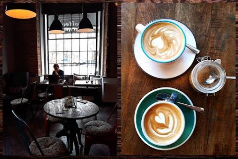 Odpoledne v kavárně - Coffee corner bakery
