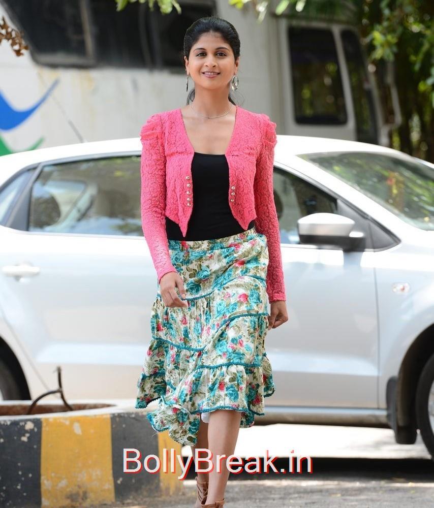Naveena Photo Gallery, Actress Naveena Latest Stills