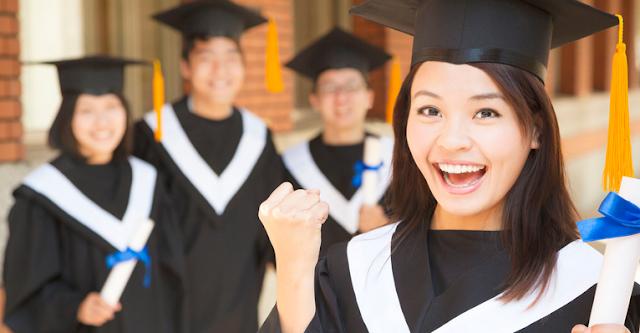 Berkat Ejekan Ayah Tirinya Mahasiswa Ini Berhasil Lulus