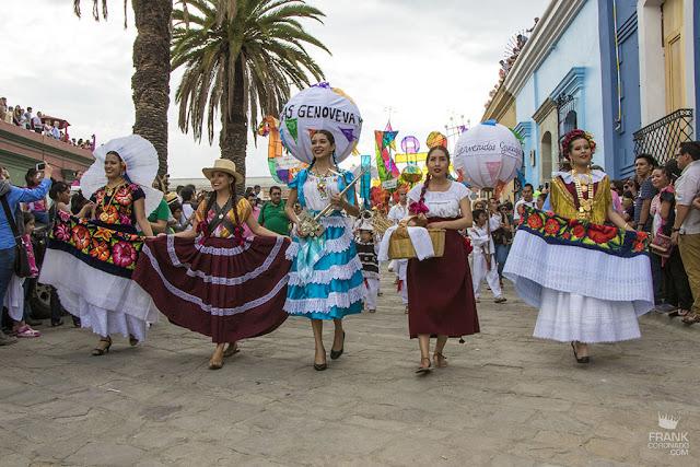 trajes regionales de oaxaca guelaguetza