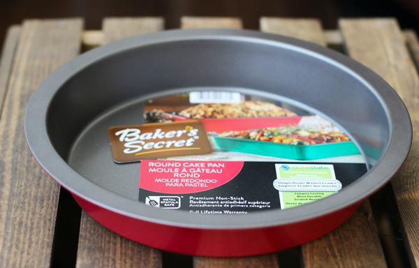 Baker's Secret Round Cake Pan