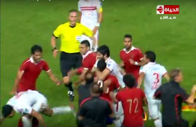 خناقة لاعبي الاهلي والزمالك في نهائي كأس مصر