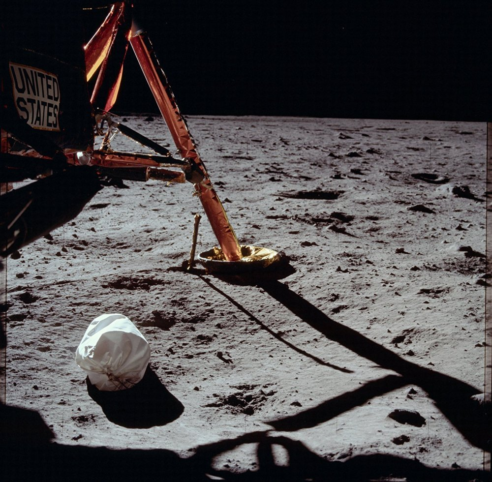 Some stunning Photos of Apollo Program conducted from 1961 to 1975 released by NASA