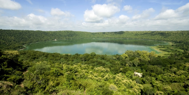lonar lake, sarover, crater lake photos