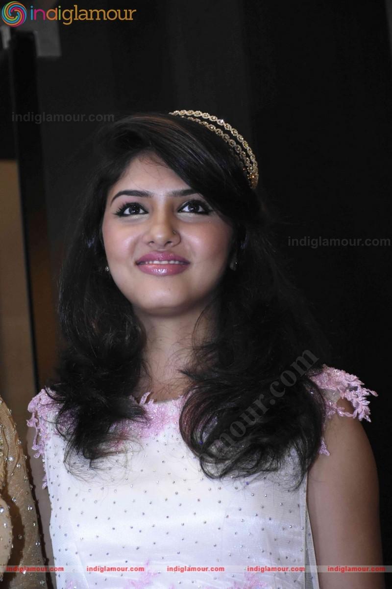 Gayathri Suresh Latest Photos From Kerala Fashion League