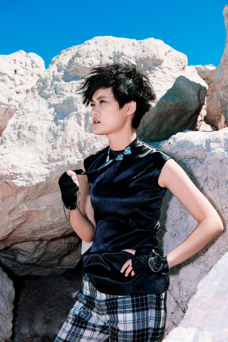 Laos Singer > Alexandra Bounxouei | Nude women in public