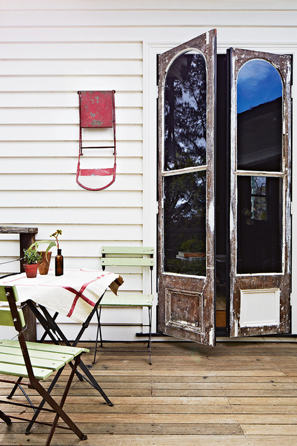 http://stylejuicer.com/home-and-interior/interiors-crush-vintage-house-daylesford/