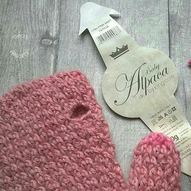 Tina'sAlllsorts, crochet mittens