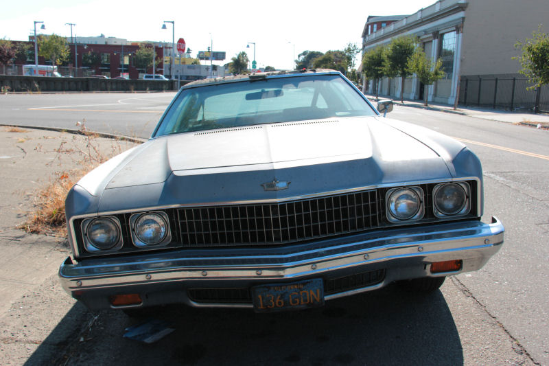 california streets oakland street sighting 1973 chevrolet caprice classic. Black Bedroom Furniture Sets. Home Design Ideas