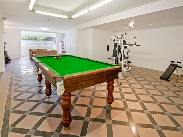 Photo of private gym with the pool table