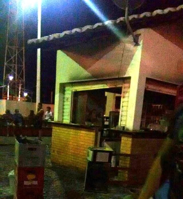 Incêndio em quiosque na Praça de Eventos em Pau dos Ferros pode ter sido provocado por curto circuito
