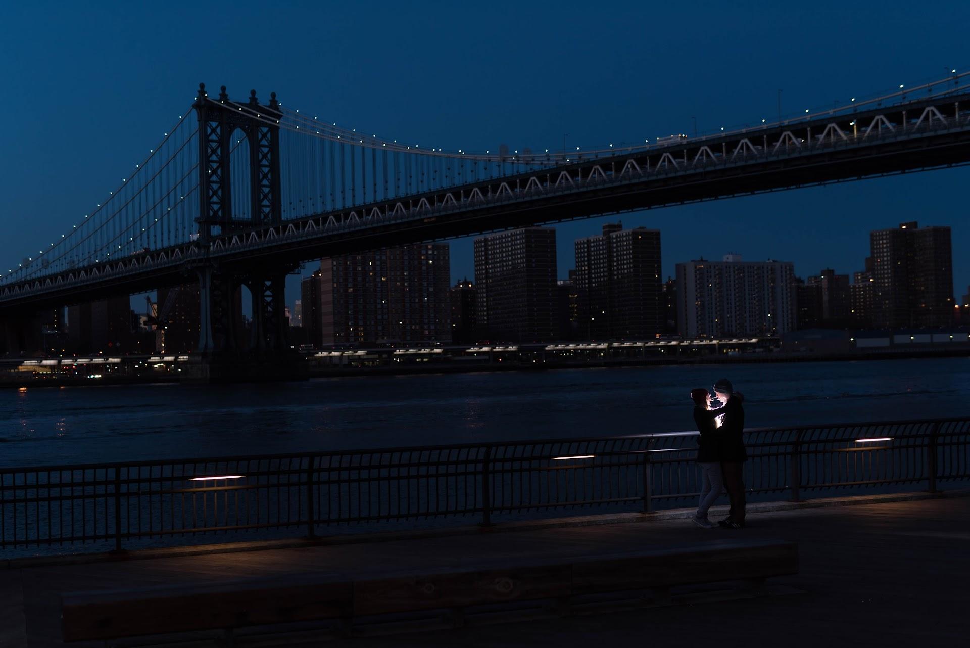 photography, engagements, couple, photography shoot, popular photo spots in nyc, brooklyn, new york, dumbo, manhattan bridge, brooklyn bridge, night, lights, nighttime, flash,