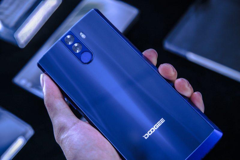 5 Smartphone dengan Fitur Unik