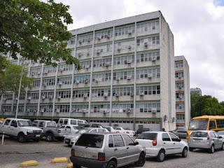Governo do Estado notifica 36 servidores com acúmulo de cargos e diz que vai bloquear salários