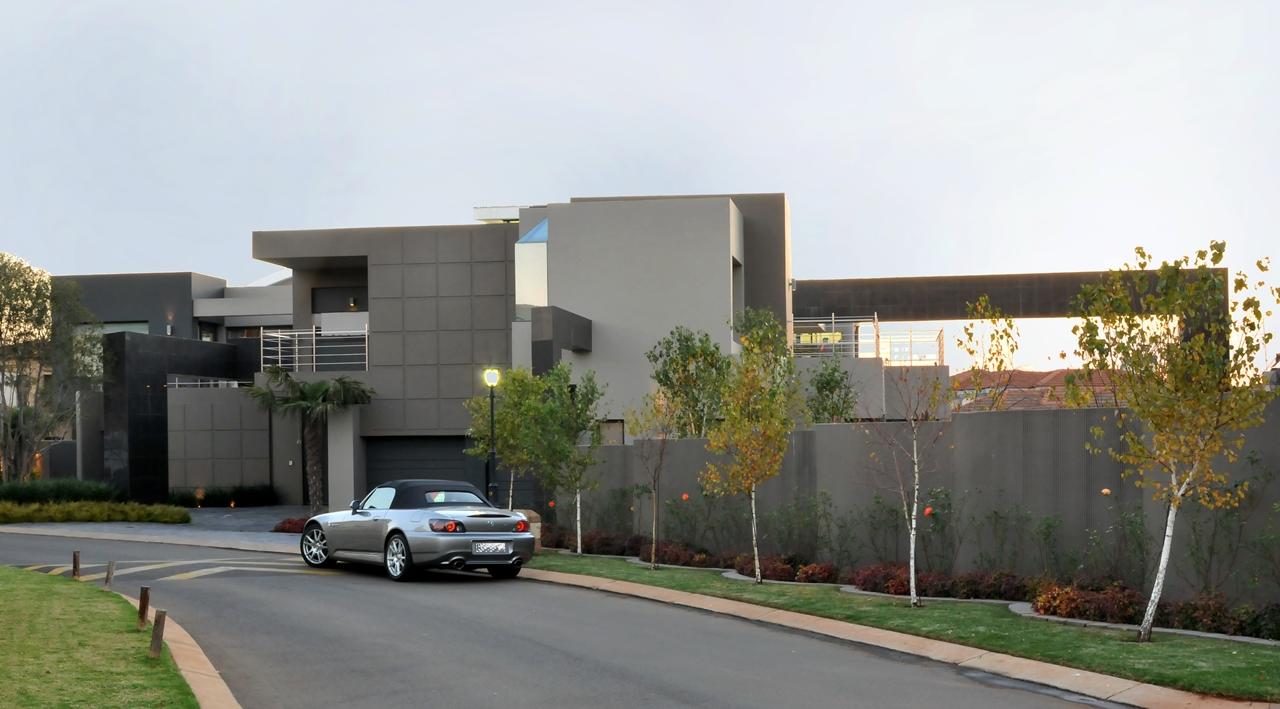 Huge Modern Home In Hollywood Style By Nico Van Der Meulen