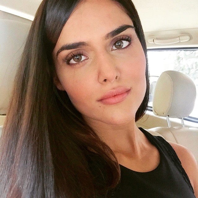 her hair, her eyes, her lips, her nose, her eyebrows, her eyelashes 😍 everything is on point 👌❤😍