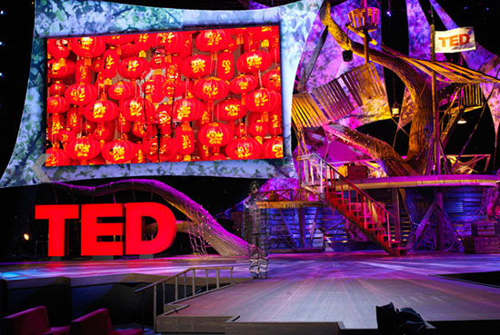 Liu Bolin (刘勃麟) hiding at TED