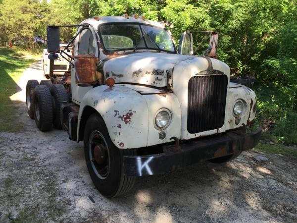 B 61 Mack Thermodyne : Mack b truck old