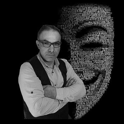 Yüze Bakan Adam Ahmet Akça
