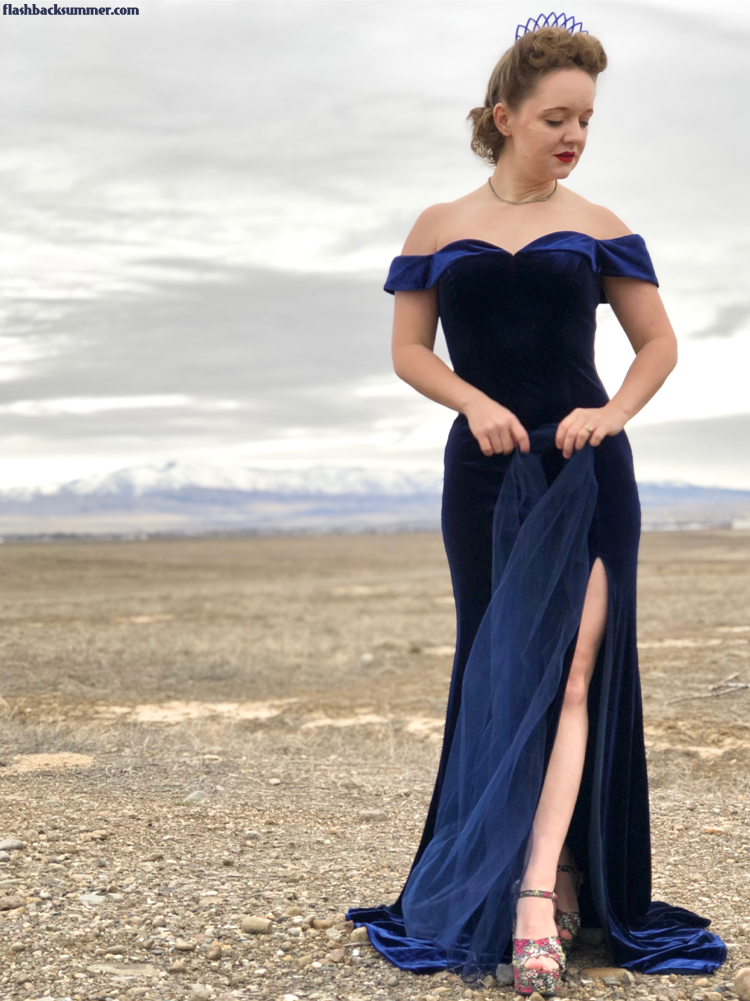 Flashback Summer: 1940s 1950s Unique Vintage blue velvet gown