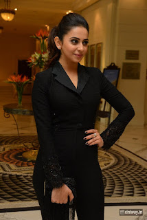 Rakul-Preet-Singh-at-Filmfare-Awards-2016-Press-Meet