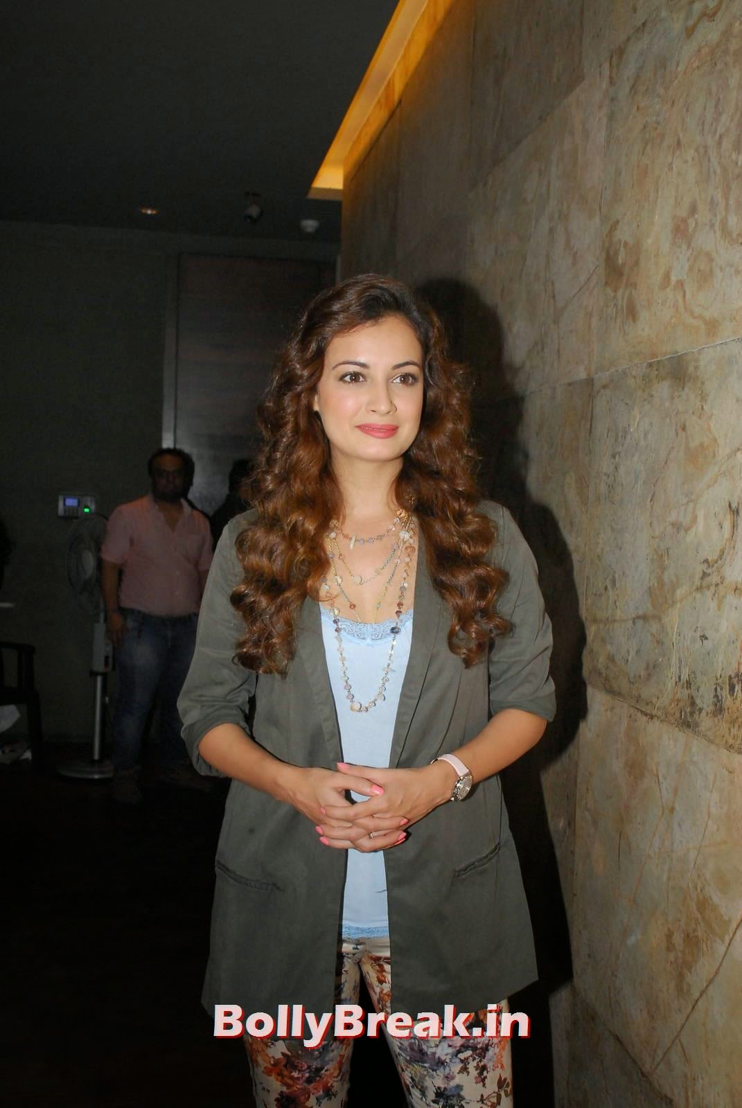 Dia Mirza With Curly Hair - Latest Images - 7 Pics-1098