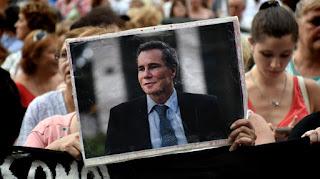 """El fiscal general de la Cámara del Crimen Ricardo Sáenz sostuvo hoy que Alberto Nisman fue """"víctima del delito de homicidio"""" y pidió que la causa por la investigación de su muerte pase a al fuero federal."""
