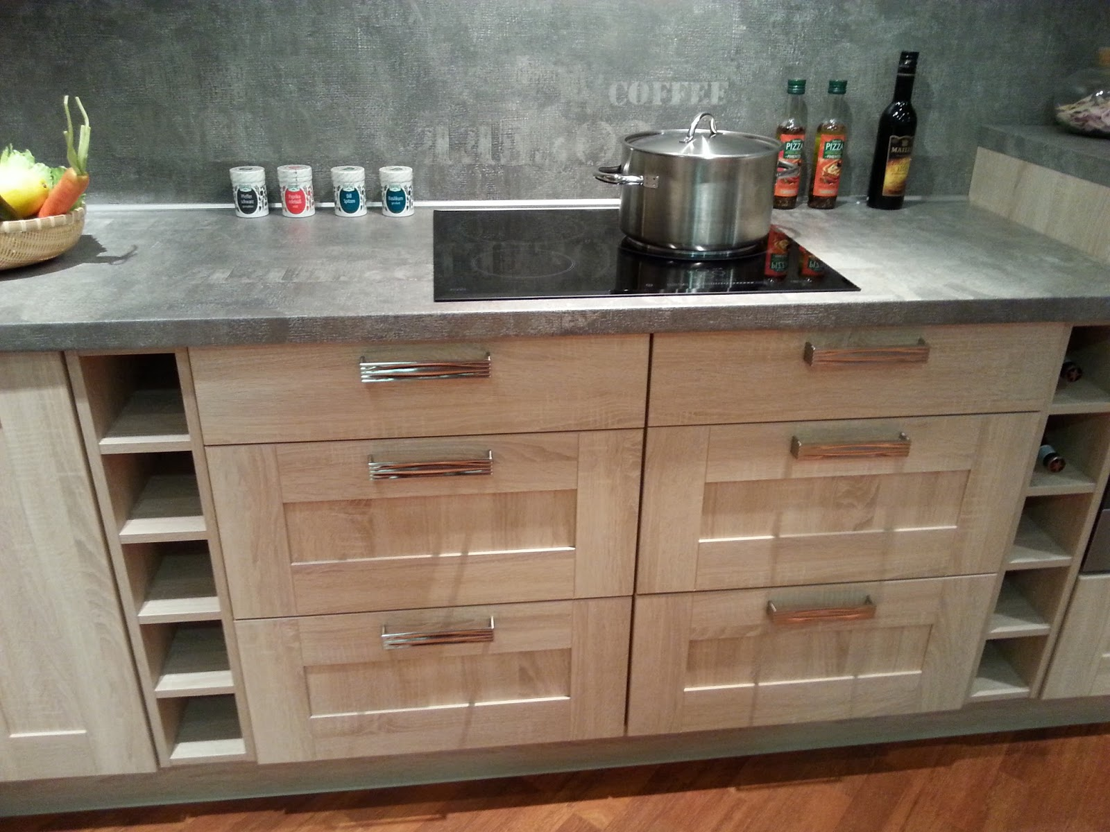ixina angoulins great fabulous plan de travail ixina cuisine norma ixina cuisines affina web. Black Bedroom Furniture Sets. Home Design Ideas