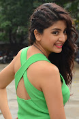 Poonam Kaur latest sizzling photos-thumbnail-3