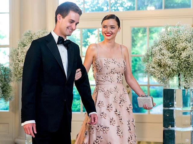 Miranda Kerr y CEO de Snapchat se comprometen en matrimonio
