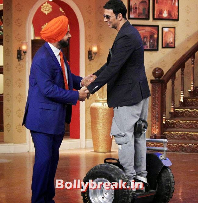 Navjot Singh Sidhu and Akshay Kumar, Akshay Kumar on Comedy nights with Kapil for Holiday movie promotion