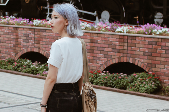 Japanese Fashion Blogger,Mizuho K,20180806OOTD,SheIn=white tee / GU=straight jeans / 3COINS=beach sandals / UNIQLO×JW Anderson=bag / Andreas Ingeman=blue Oslo watch / KAYA = Japanese Pattern triangle earrings / simple casual street style