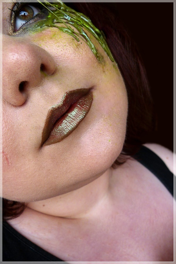 metallic duochrome lips