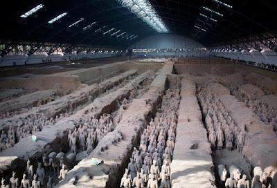 Οργή στην Κίνα για κλοπή δαχτύλου αγάλματος του «Πήλινου Στρατού» από Αμερικανό