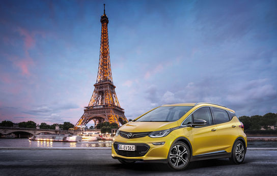 Get to know in-depth about the Car Rental Service and Availability in Paris