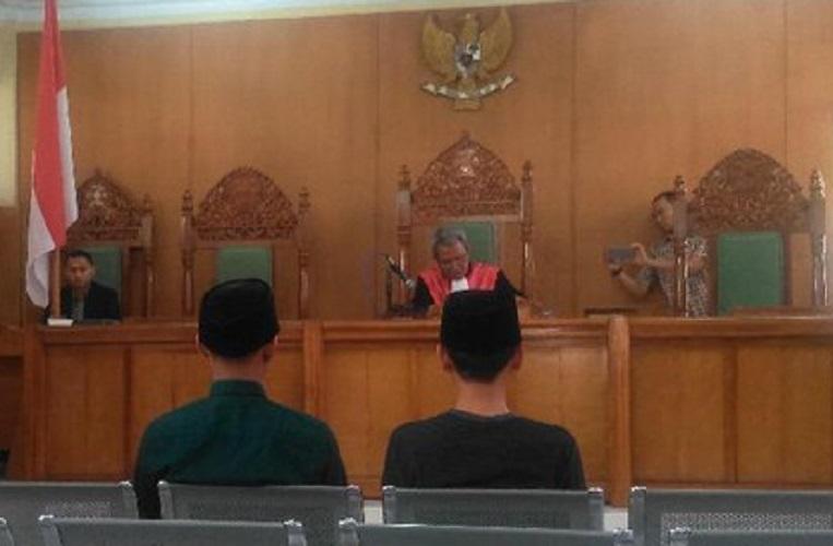 Pembakar Bendera Tauhid Divonis 10 Hari dan Denda Rp 2 Ribu, Ini Tanggapan Netizen