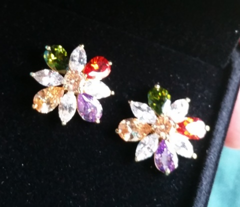 orrous collection colored leaf earrings