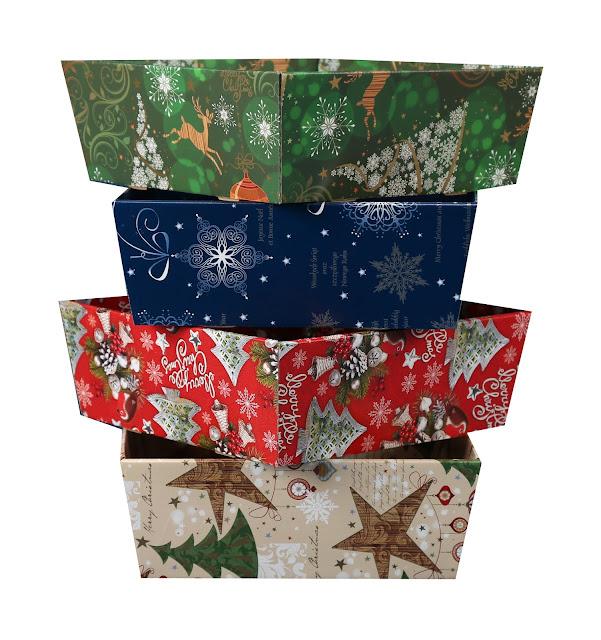 Ozdobny kosz prezentowy na Boże Narodzenie 11