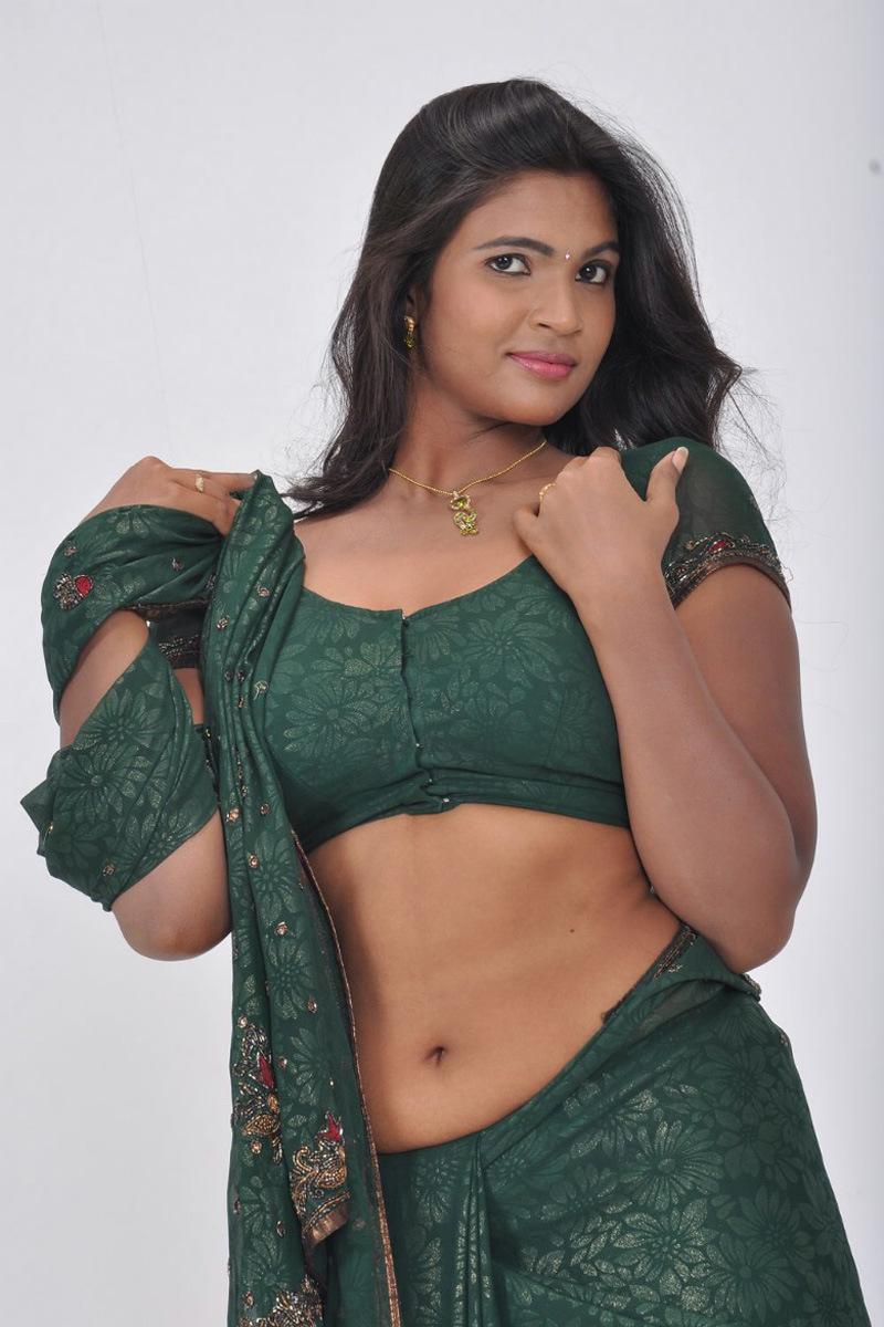 Sathiram Perunthu Nilaiyam Movie Actress Hot Stills