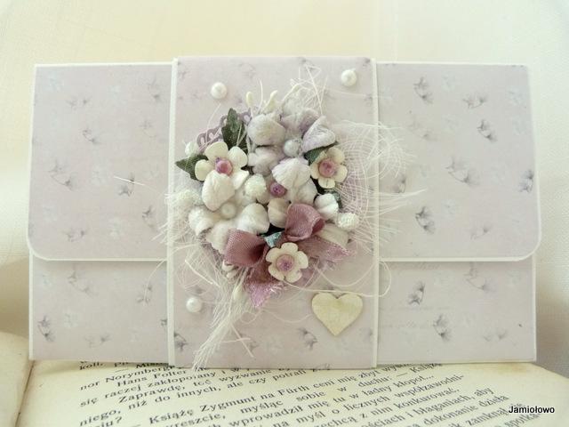 kopertówka w kwiaty na pieniądze
