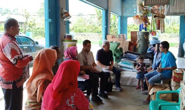 Tim Kemenkes RI Kunjungi Mantan Penderita Malaria