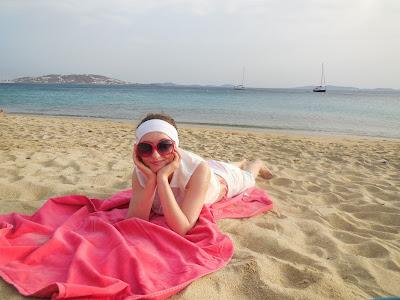 Na plaży Agios Stefanos Mykonos Grecja