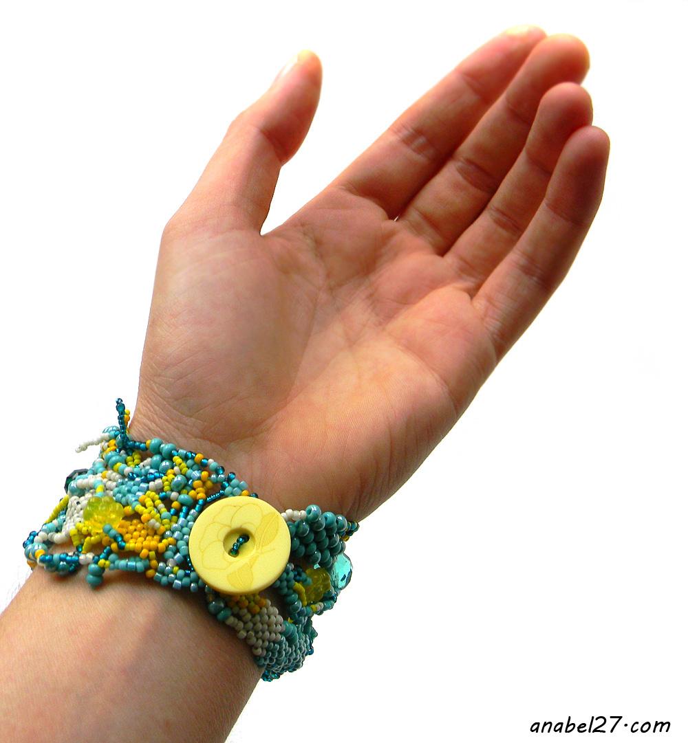 ажурный браслет из бисера купить россия яркое украшение подарок девушке